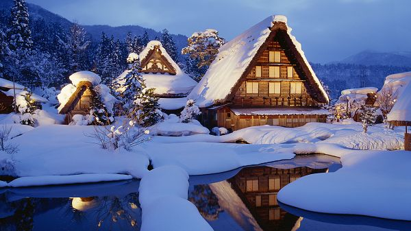 Houses Covered with Thick Snow, Lights Are Turned on, Warm Light is Generated, Snowy Winter Days Are Made Comfortable - HD Natural Scenery Wallpaper