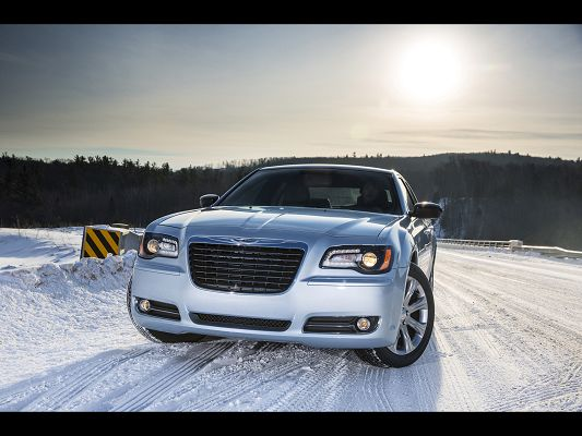 Images of Super Car, Chrysler 300 in Snow World, Both Are Purely Beautiful
