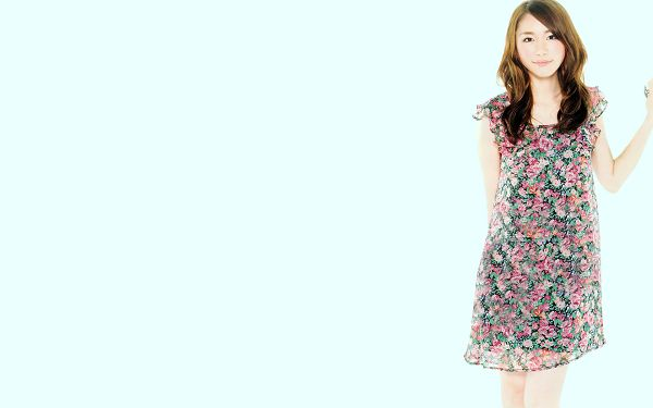 click to free download the wallpaper--In Colorful Flower Dress and Casual Hair Style, She is Such a Neighborhood Girl, White Background - HD Yui Aragaki Wallpaper