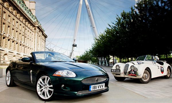 click to free download the wallpaper--Jaguar Cars Wallpaper, Two Super Cars in the Stop, Under the Blue Sky