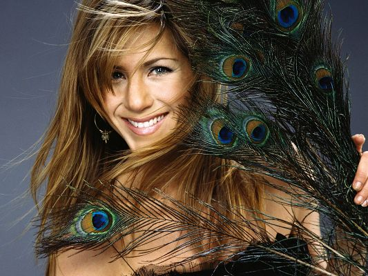 click to free download the wallpaper--Jennifer Aniston HD Post in Pixel of 1920x1440, Smiling and Dancing Hair, the Lady is as Beautiful as the Peacock Tail - TV & Movies Post
