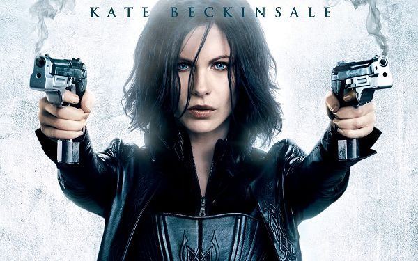 Kate Beckinsale in Underworld 4 in 1920x1200 Pixel, Lady with Two Guns, Someone is So Dead This Time - TV & Movies Wallpaper