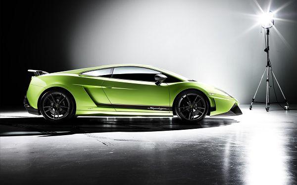 Lamborghini Gallardo Post in Pixel of 1920x1200, Green and Luxurious Car in Full Stop, Great in Outlook - HD Cars Wallpaper
