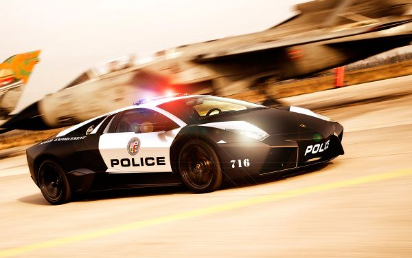 Lamborghini NFS Hot Pursuit Post in 2560x1600 Pixel, Surrounding Scenes Flashing Behind, the Car Shall Gain Your Device Great Attention - HD Cars Wallpaper