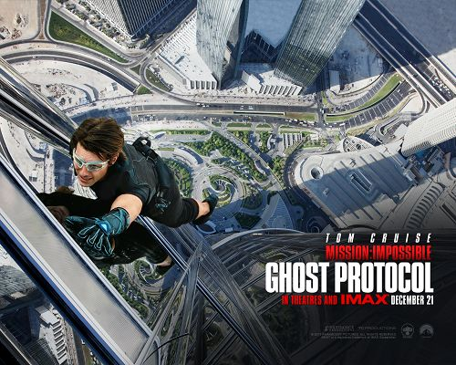 MI4 Ghost Protocol in 1280x1024 Pixel, Tom Cruise is in an Extremely Tall Building, Somebody, Save Him - TV & Movies Wallpaper