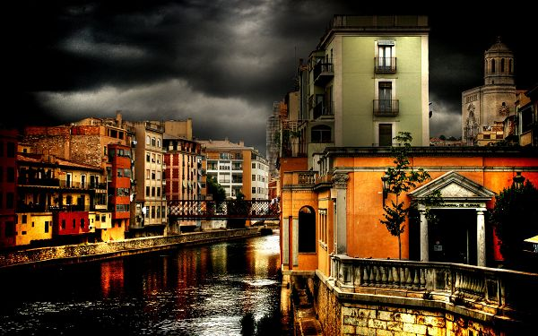 click to free download the wallpaper---Magnificent Buildings and Dark Sky Included, Heavy Rain Can be Expected - Spanish City Image Wallpaper