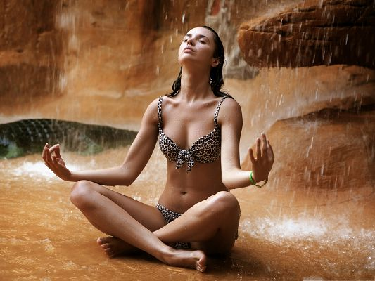 Meditating Girl Photos, Beautiful Girl in Leopard Bikini, Heavy Waterdrops