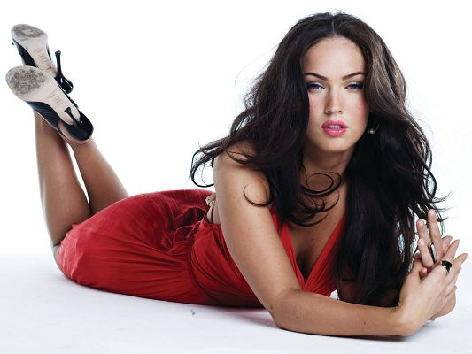 click to free download the wallpaper--Megan Fox HD Post in 1920x1440 Pixel, Girl in Sexy Red Dress, Minsty Eyesight, Impossible to Get Eyes Off Her - TV & Movies Post