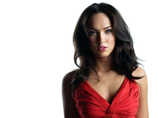 click to free download the wallpaper--Megan Fox HD Post in Pixel of 1920x1440, a Long Red Dress is Put on, the Girl is Sexy and Appealing by Nature, She is a Great Fit - TV & Movies Post
