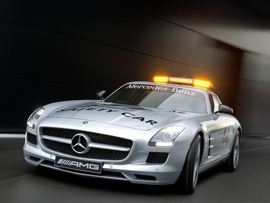 click to free download the wallpaper--Mercedes Police Car, Silver SLS AMG in the Run, Be on Alert!