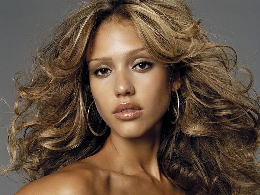 Naked Jessica Alba in Healthy Skin Color, No Wonder One of the Most Sexy Women in Hollyword, a Must Have for Men - HD Jessica Alba Wallpaper
