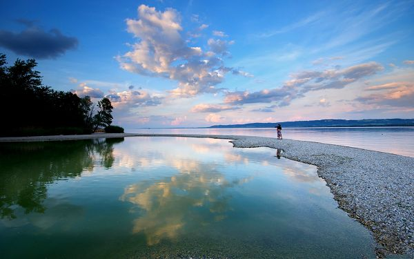 click to free download the wallpaper--Nature Landscape at Evening, the Blue Sky Reflected in the Peaceful Sea