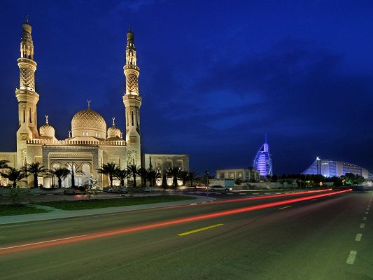 click to free download the wallpaper--Nature Landscape of the World, Jumeirah Mosque, a Sacred and Dreamy Place