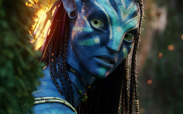 click to free download the wallpaper--Neytiri Beautiful Warrior in Avatar in 1680x1050 Pixel, Beautiful Girl in Surprised Facial Expression, What's the Thing? - TV & Movies Post