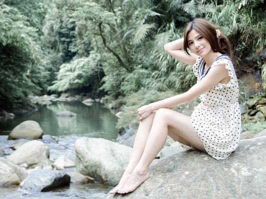 Nice Girl Pictures, Beautiful Girl in Snowy White Skin, Sitting on River Stone