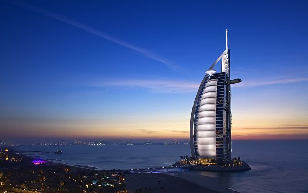 Night Scene of Dubai, Sea is Lighted up and in Peaceful Sleep, Shall Set One's Mind At Ease - HD Natural Scenery Wallpaper