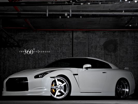 click to free download the wallpaper--Nissan Sport Car as Background, White and Decent Car in Glow, Great in Look