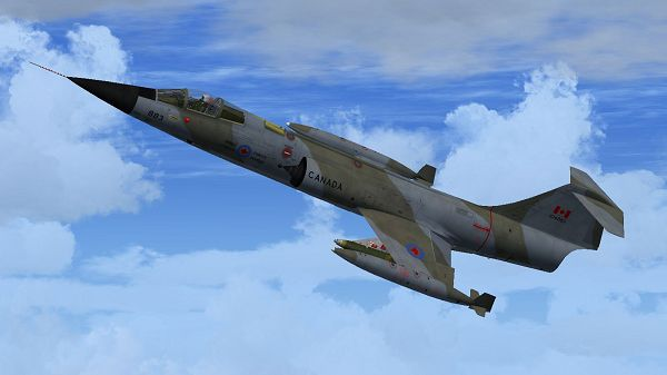 click to free download the wallpaper--Paris Aeroplane Shows, Canadian Air Group CF-104 in Flight, High to Extremity