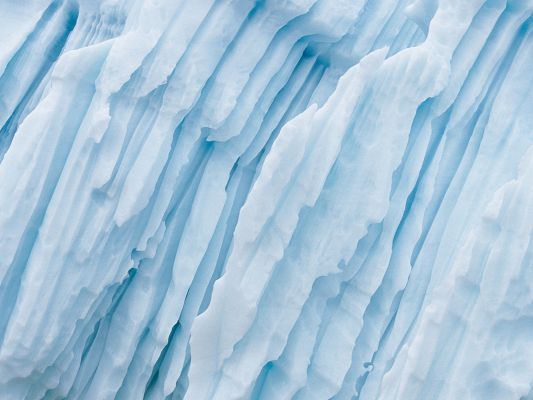 click to free download the wallpaper--Pics of Nature Landscape, Long Iceberg, Thick and Thin Ice