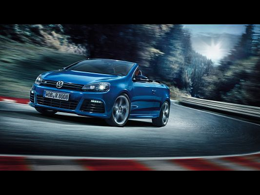 click to free download the wallpaper--Pics of Super Car, Volkswagen Golf R from Motion Side, Turning a Corner