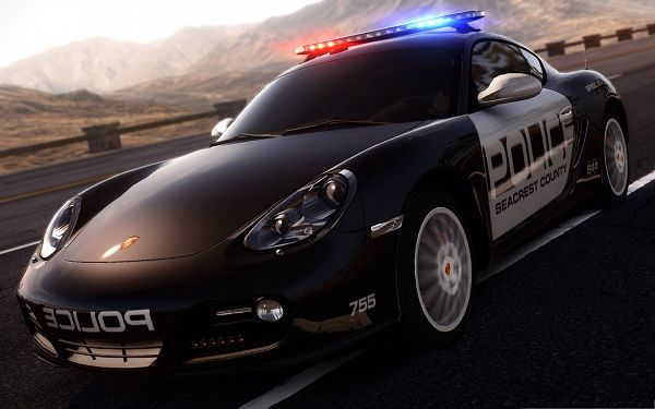 click to free download the wallpaper--Porsche Police Car, Speed Matters the Most, Be After Someone Wanted