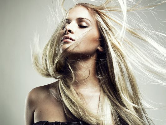 click to free download the wallpaper--Pretty Girl Pictures, Blonde Beauty with Long Dancing Hair