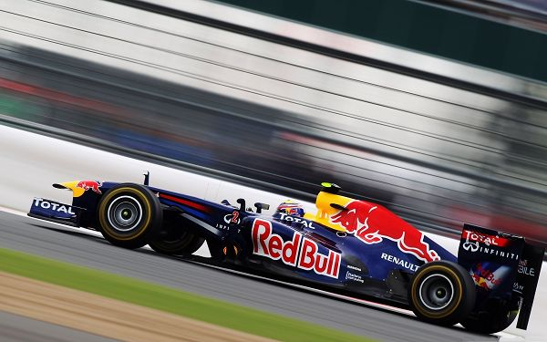 click to free download the wallpaper--Racing Cars Picture, Red Bull Formula 1, Nice Look and Great Speed