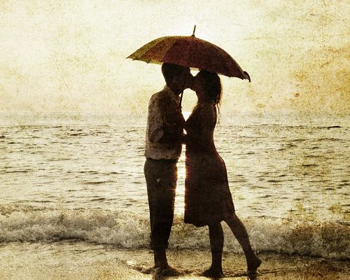Romantic Wallpaper, Couple Kissing by Beachside, Deep Affection