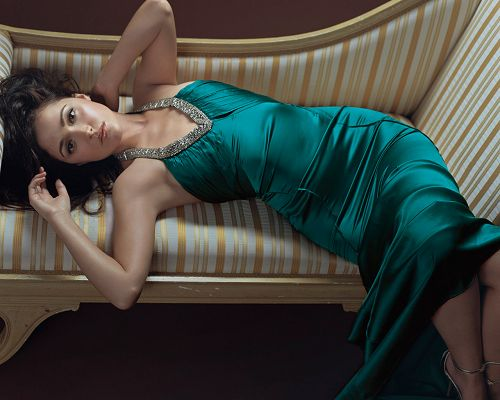 Rose Byrne HD Post in Pixel of 1280x1024, Lady Lying on Sofa, Long Blue Dress, She is Attractive and Good-Looking - TV & Movies Post