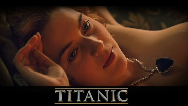 Rose Naked with the Heart of the Ocean, Falling in Love with Jack, Eyes Reveal Deep Affection, Meant for Each Other - TV & Movies Wallpaper