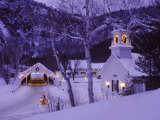 Rural Scenery Post, Houses Are Beautifully Decorated to Celebrate Christmas, Peaceful to be in the Country
