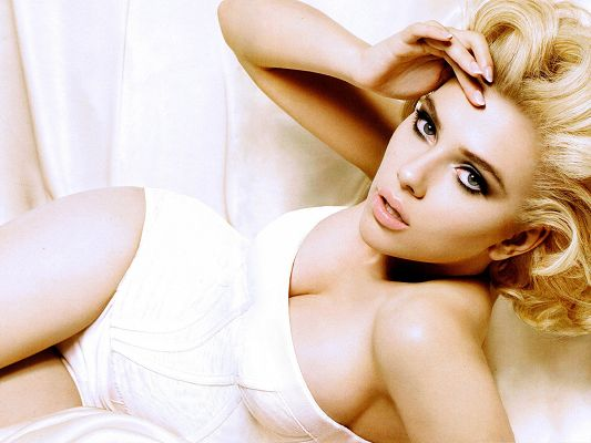 Sexy Scarlett Johansson, Hot Lady in Tight White Dress, Thick Cosmetics