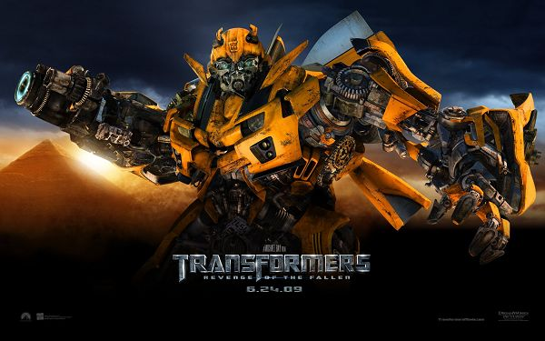 click to free download the wallpaper--Showing the Teeth, Great Power and Determination can be Expected, Evil Will Definitely be Punished - Transformers Wallpaper