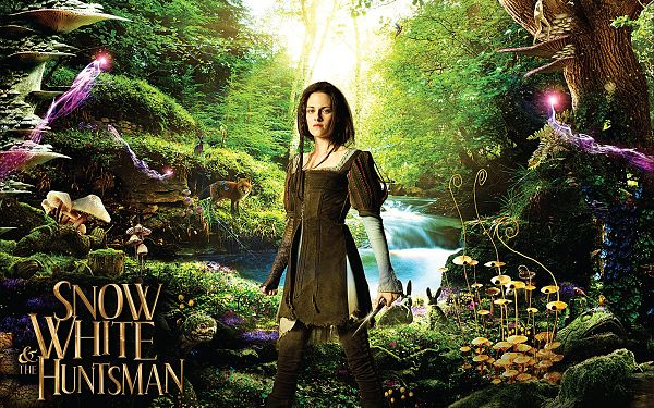 click to free download the wallpaper--Snow White and The Huntsman in 2400x1500 Pixel, the Princess is Determined to Do Something Big, Surrounding Scene is Incredible - TV & Movies Wallpaper