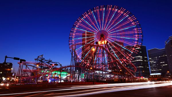 click to free download the wallpaper---Spending Evening Time on Ferris Wheel, Time Passed Shall be More Enjoyable and Wonderful - HD Ferris Wheel Wallpaper