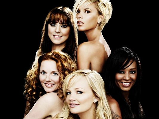 click to free download the wallpaper--Spice Girls Post, Each With One's Unique Beauty, Smile and Be Cool