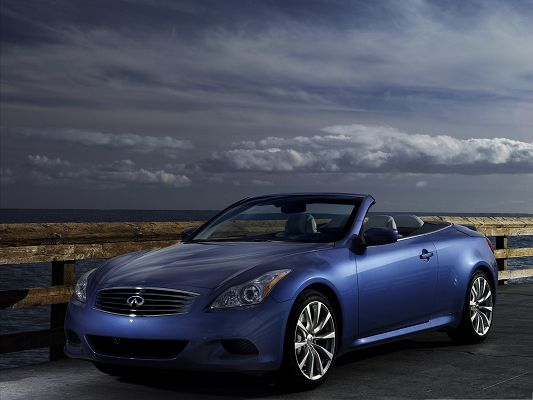 click to free download the wallpaper--Super Car Pictures, Blue Infiniti Cars in the Stop, Facing the Sea