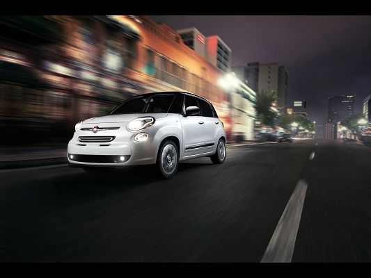 click to free download the wallpaper--Super Car Posts of Fiat 500L, a White Car in the Run, See the Surrounding Scenes Nothing At All