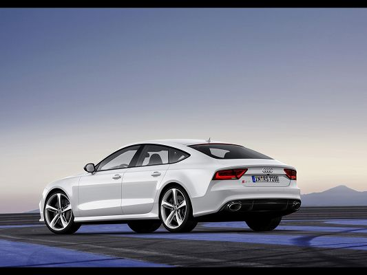 click to free download the wallpaper--Super Cars Photo of Audi RS 7, from Rear Angle, Qualifies for a Great Car