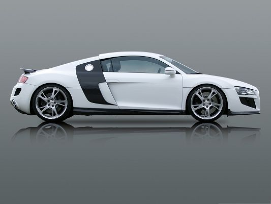click to free download the wallpaper--Super Cars Picture, White Audi R8 in Stop, Clear Shadow Beneath