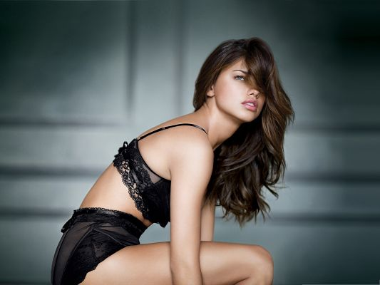 Supermodel Wallpaper for Widescreen, Adriana Lima in Black Bikini, Blurry Eyes