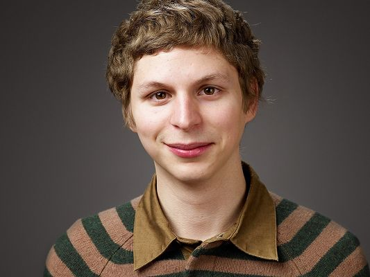 Taking Part in Year One, Youth in Revolt and Scott Pilgrim vs. the World, in Funny Facial Expression and Grey Background, He is Just the Focus - HD Michael Cera Wallpaper