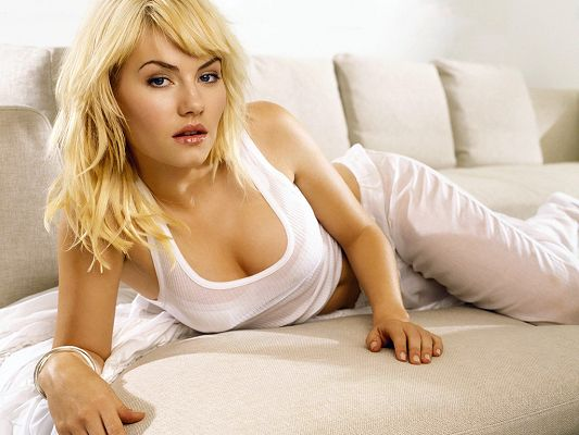 Took Part in House of Wax, FOX's 24 and ABC's Happy Endings, White T-Shirt and Pants Make Her Angel-Like - HD Elisha Cuthbert Wallpaper