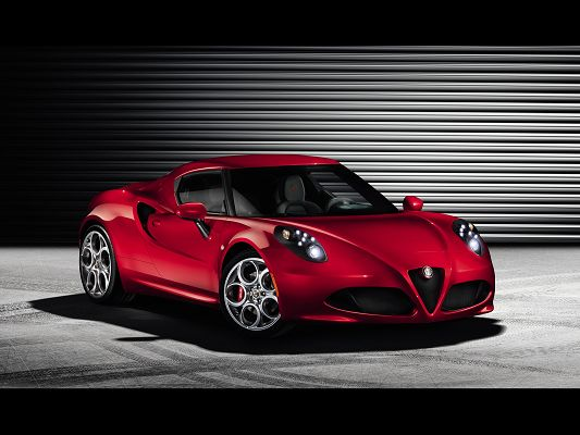 click to free download the wallpaper--Top Car Photos of Alfa Romeo 4C, Red Super Car from the Front Angle, is Truly Impressive