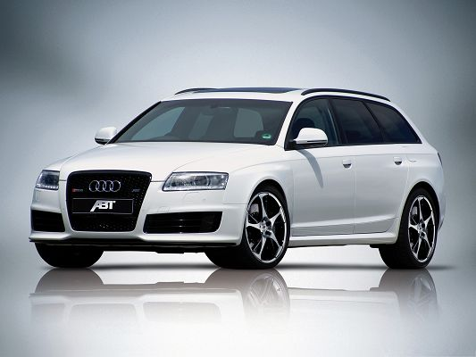 click to free download the wallpaper--Top Cars Image, Audi RS6 Avant Car, White and Decent, Greatly Impressive