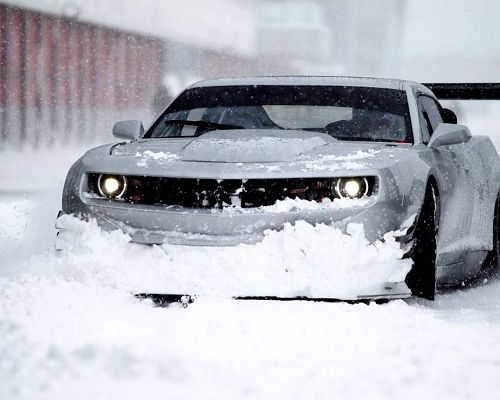 click to free download the wallpaper--Top Cars Post, Chevrolet Camaro in Thick Snow, Never Compromise on Speed