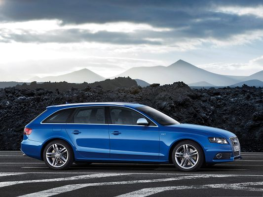 click to free download the wallpaper--Top Cars Wallpaper, Blue Audi S4 Avant Car in Stop, Under the Cloudy Sky
