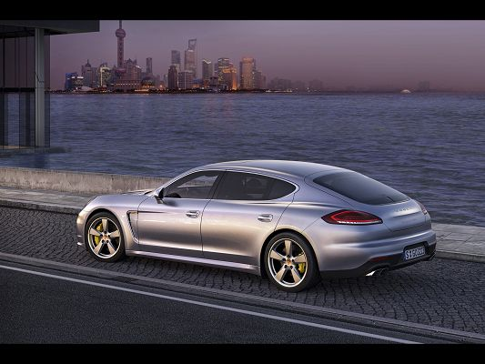 Top Gear Pics of Porsche Panamera, Decent Car by the Side of the Sea, Unwilling to Do a Departure