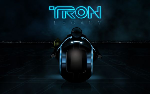 click to free download the wallpaper--Tron Legacy 2010 Post in 1440x900 Pixel, Blue Light is Generated, Great and Decent in Look, Shall Add Such Sences to Your Device - TV & Movies Post