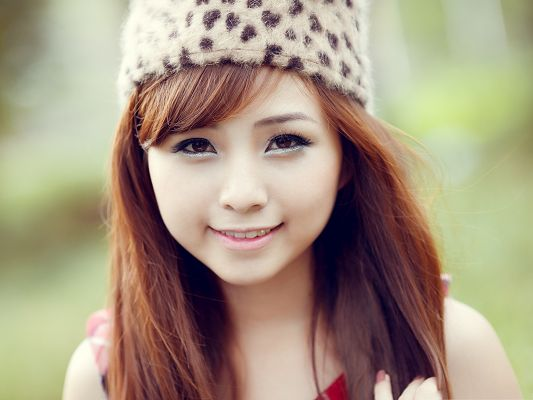 VietNam Girl Photos, Shy Smile and Exquisite Cosmetics, She is the Neighborhood Girl